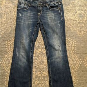 Gently used distressed miss me 29/31 jeans